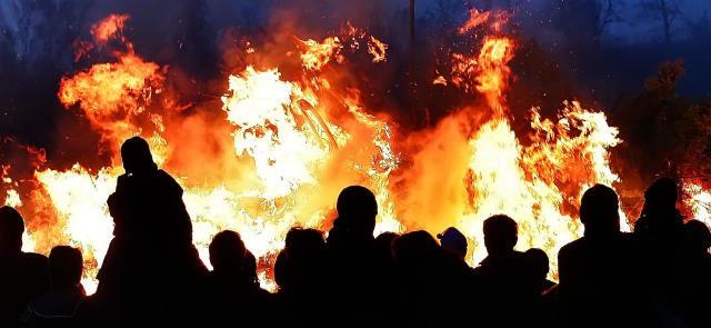 Osterfeuer in Stadt und Landkreis